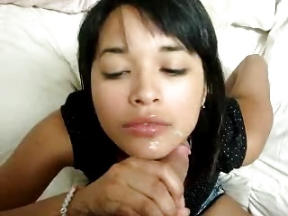 Cute Asian Amateur Teen Gives Of the first water Head