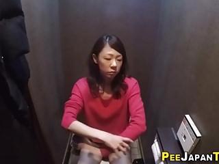 Japanese ho fingers clit