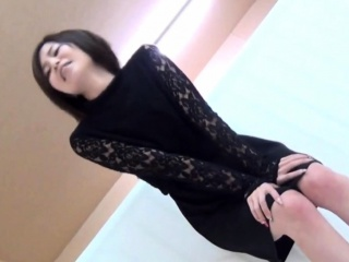 Japanese skanks urinate