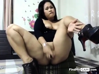 asian floosie toying will not hear of ass and pussy