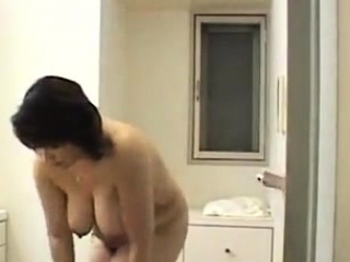 Asian shower voyeur