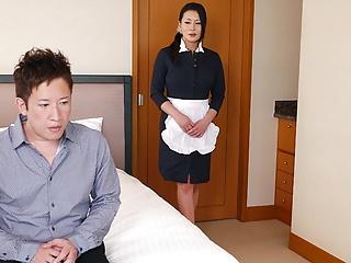 Japanese maid, Rei Kitajima is fucking a saleable client, uncen