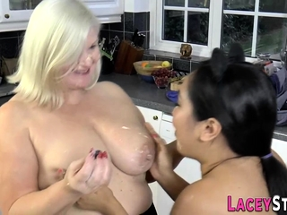 GILF Lacey Doing what she knows how connected with do