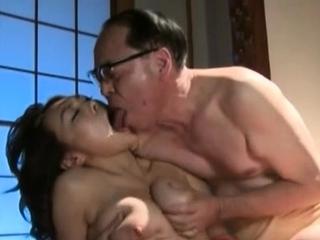 Terrifying idol Reiko Nakamori gets her poontang banged