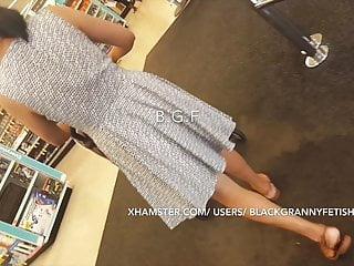 Chinese Milf Panty Upskirt