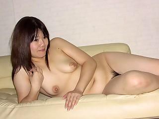 Akiko Miyake in Chubby lady, Akiko Miyake is equally her hairy pussy - AviDolz