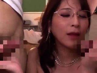 Amateur Milf in a FMM threesome with cumshot